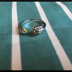 Stella & Dot arrow ring